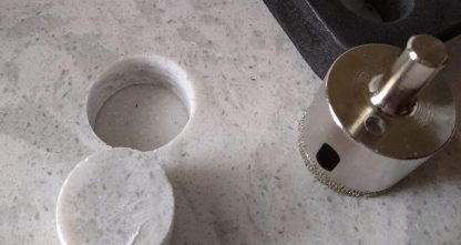 Removal of a core plug of quartz